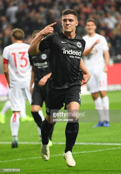 19 October 2018 Germany Frankfurt am Main Soccer Bundesliga 8th matchday Eintracht Frankfurt Fortuna Duesseldorf in the CommerzbankArena Frankfurt's...