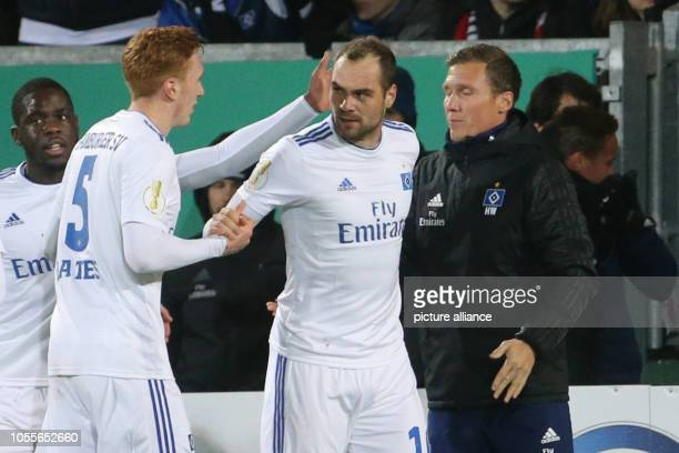 Soccer DFB Cup SV Wehen Wiesbaden Hamburger SV 2nd round in the Brita Arena The Hamburg PierreMichel Lasogga cheers after the 10 with David Bates and...