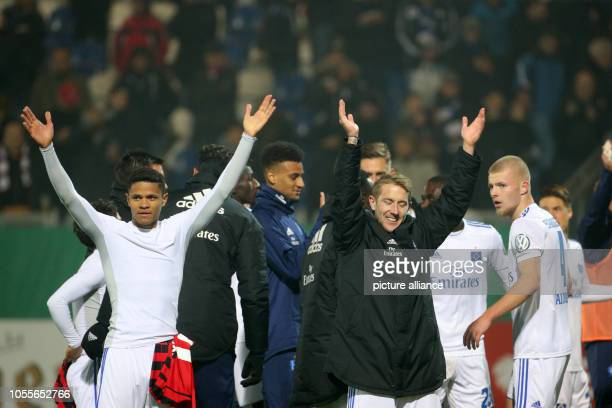 Soccer DFB Cup SV Wehen Wiesbaden Hamburger SV 2nd round in the Brita Arena Douglas Santos from Hamburg cheers after the 03 together with Lewis...