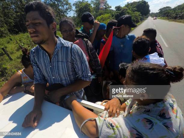 Migrants from Central America continue their march towards the USA People from Honduras El Salvador and Guatemala go north from Mapastepec in the...