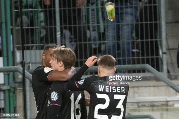 31 October 2018 North RhineWestphalia Mönchengladbach Soccer DFB Cup Borussia Mönchengladbach Bayer Leverkusen Round 2 The Leverkusen players are...