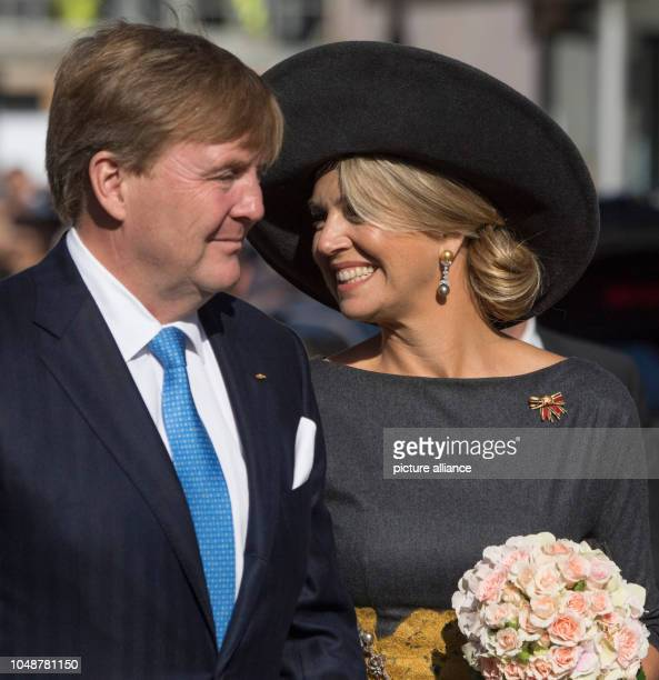 10 October 2018 RhinelandPalatinate Mainz WillemAlexander King of the Netherlands and Queen Maxima arrive at the State Chancellery in Mainz The royal...