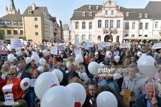 20 October 2018 RhinelandPalatinate Trier 20 October 2018 Germany TrierParticipants of the protest rally of the initiative 'Kirchengemeinde vor Ort'...
