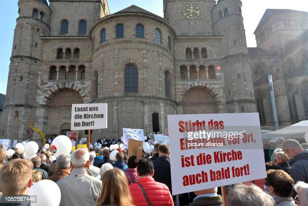 20 October 2018 RhinelandPalatinate Trier 20 October 2018 Germany Trier Participants of the protest rally of the initiative 'local church community'...