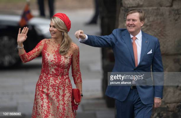 11 October 2018 RhinelandPalatinate Trier The Dutch King WillemAlexander and Queen Maxima arrive at the Porta Nigra in Trier on the second day of...