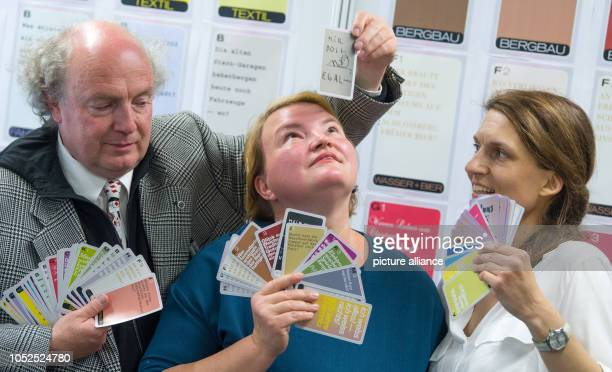 19 October 2018 Germany Chemnitz The makers of the card game 'I know everything I don't know anything 875 Years Chemnitz' Osmar Osten Katja...