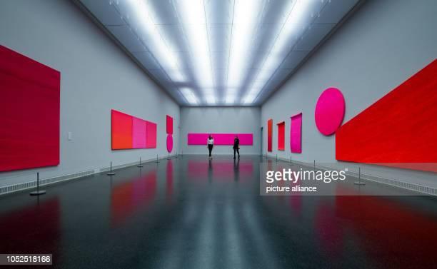 Participants of a preview will see works by Rupprecht Geiger in the Oberlichtsaal of the Museum Gunzenhauser of the Kunstsammlungen in Chemnitz Under...