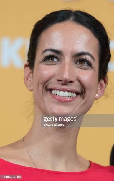 29 October 2018 SaxonyAnhalt Halle The actress Sanam Afrashteh comes to the cinema premiere of In aller Freundschaft Die Krankenschwestern in the...