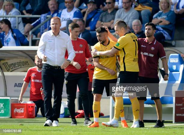 06 October 2018 SaxonyAnhalt Magdeburg Soccer 2nd Bundesliga 1st FC Magdeburg vs Dynamo Dresden 9th matchday in the MDCCArena Dresden coaches Maik...