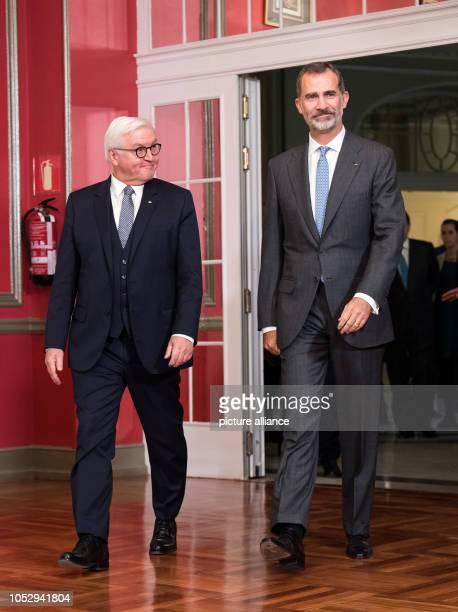 24 October 2018 Spain Madrid Federal President FrankWalter Steinmeier and the Spanish King Felipe VI take part in the GermanSpanish Forum at the...
