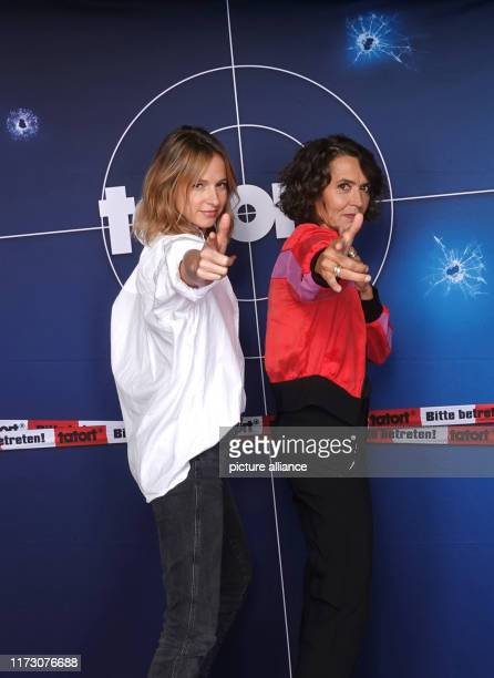 October 2019, Hamburg: Lisa Bitter , as crime scene actress Johanna Stern, and Ulrike Folkerts, as crime scene actress Lena Odenthal, stand together...