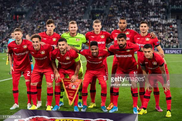 Soccer Champions League Juventus Turin Bayer Leverkusen Group stage Group D Matchday 2 The Leverkusen players stand together before the game for a...