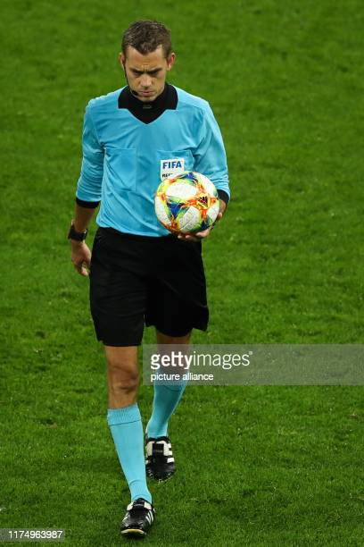 October 2019, North Rhine-Westphalia, Dortmund: Soccer: International matches, Germany - Argentina in Signal Iduna Park. Referee Clement Turpin from...
