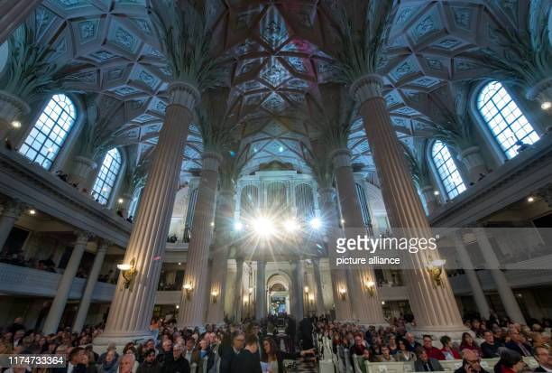 October 2019, Saxony, Leipzig: Participants of the traditional peace prayer sit in the Nikolaikirche Leipzig. Numerous events in Leipzig commemorate...