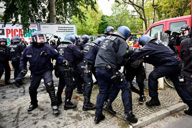DEU: Eviction Of Housing Estate In Berlin