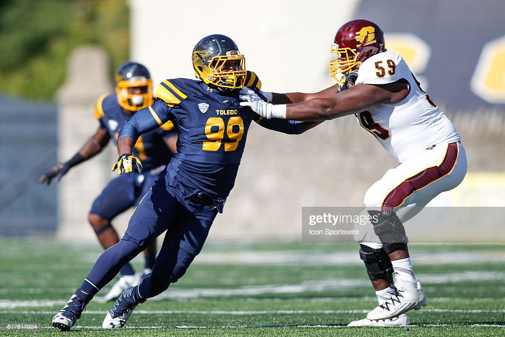 NCAA FOOTBALL: OCT 22 Central Michigan at Toledo : News Photo