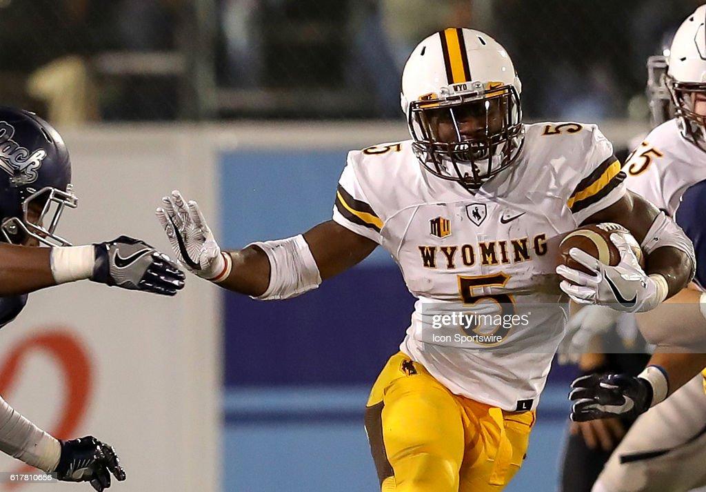 NCAA FOOTBALL: OCT 22 Wyoming at Nevada : News Photo