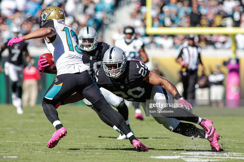 NFL: OCT 23 Raiders at Jaguars : News Photo