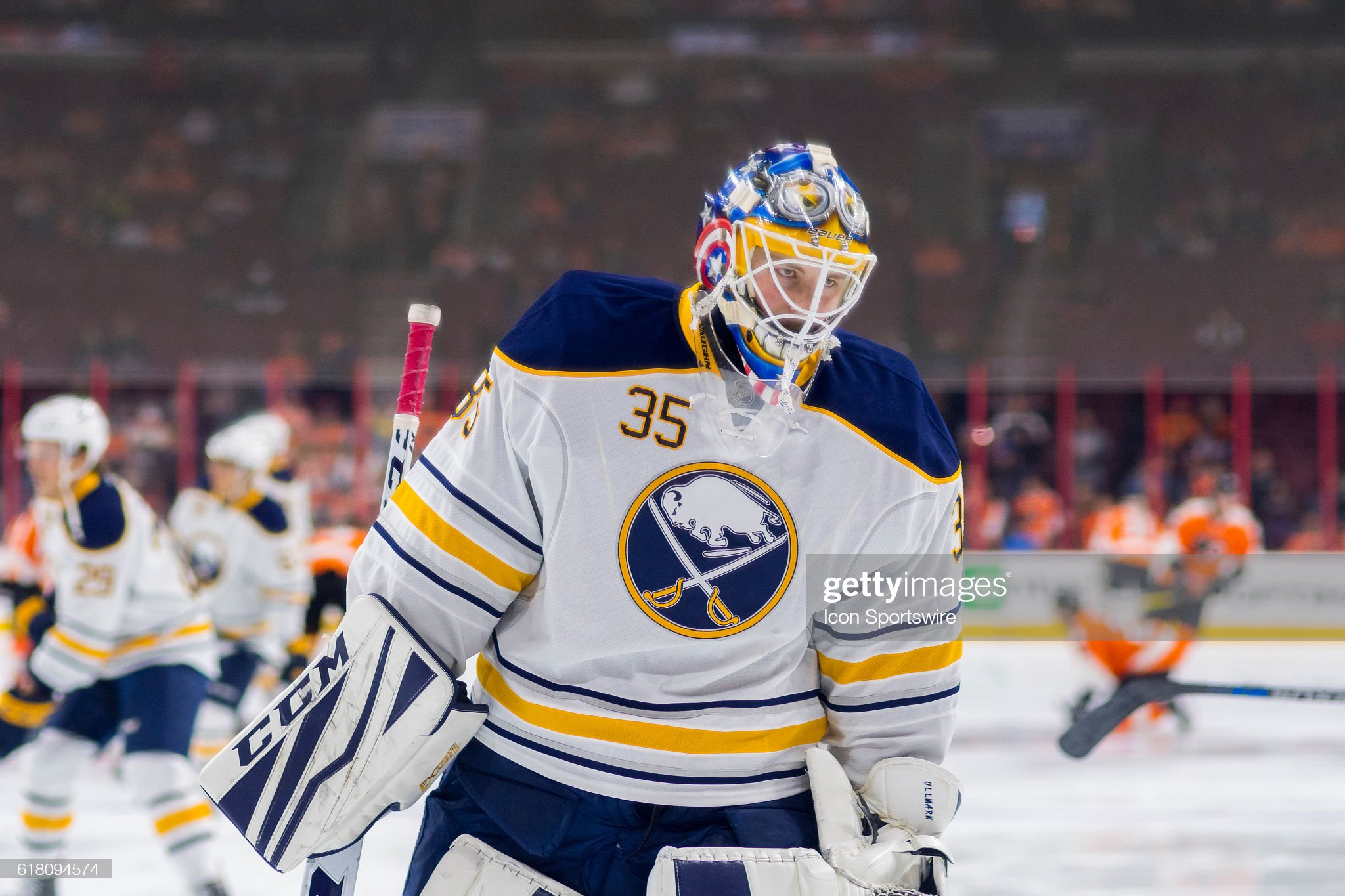 october-25-2016-buffalo-sabres-goalie-li