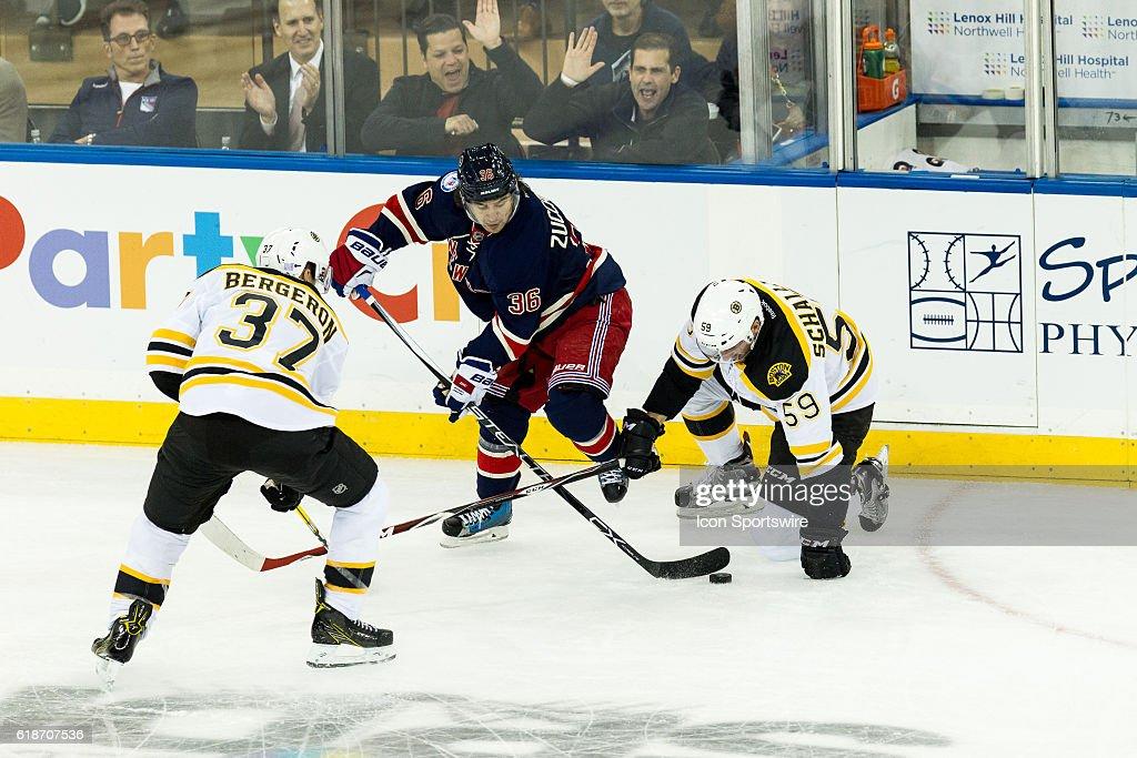 NHL: OCT 26 Bruins at Rangers : News Photo