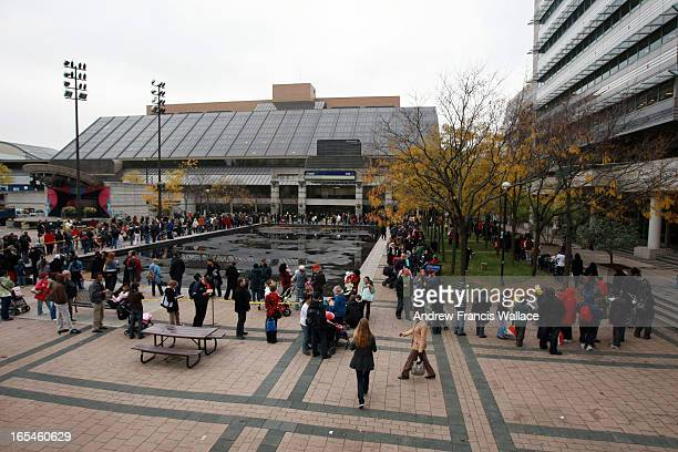 October 29 2009 People wait in line to get in to the H1N1 flu vaccine outside the North York Civic Centre clinic Toronto Public Health closed its...