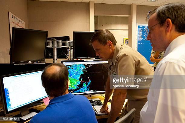 October 29 2012 Blue shirt SENIOR HURRICANE SPECIALIST DANIEL BROWN US NAVY SPECIALIST DAVE ROBERTS BRANCH CHIEF JAMES FRANKLIN National Hurricane...