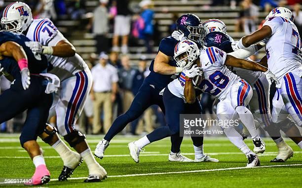 Louisiana Tech Bulldogs running back Kenneth Dixon cuts through a wide hole during the Louisiana Tech Bulldogs vs the Rice Owls at Rice Stadium...