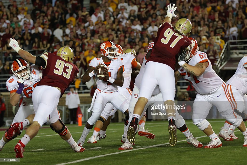 NCAA FOOTBALL: OCT 07 Clemson at Boston College : News Photo