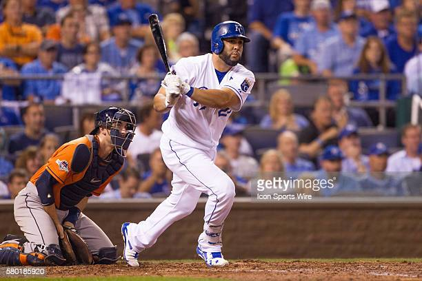 Kansas City Royals designated hitter Kendrys Morales and Houston catcher watch a ball that would be a home run during the MLB Playoff ALDS game 1...