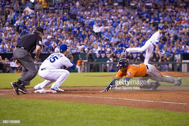 Kansas City Royals first baseman Eric Hosmer looks to beat the runner back to first base during the MLB Playoff ALDS game 1 between the Houston...