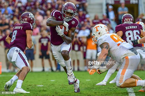 Texas A&M Aggies running back Keith Ford cuts to the outside for a moderate gain during the Tennessee Volunteers vs Texas A&M Aggies game at Kyle...