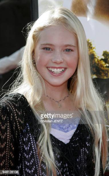 October 9 2005 Danielle Chuchran at the Dreamer Los Angeles Premiere at the Mann Village Theatre in Westwood photo by Christian Jentz/Gamma Press