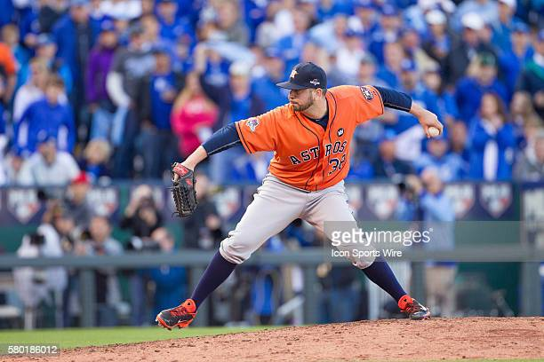 Houston Astros relief pitcher Oliver Perez during the MLB Playoff ALDS game 2 between the Houston Astros and the Kansas City Royals at Kauffman...