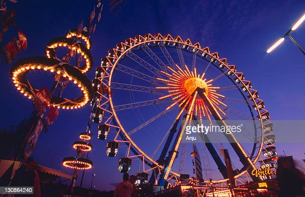 octoberfest in munich - spaß stock pictures, royalty-free photos & images