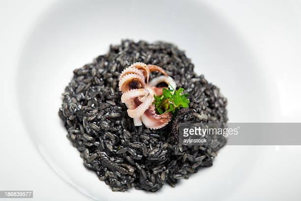 Pieuvre avec du riz noir au riz Negro