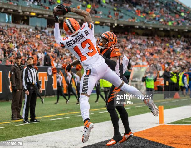 Odell Beckham Jr #13 of the Cleveland Browns makes a touchdown catch during the fourth quarter of the game against the Cincinnati Bengals at Paul...