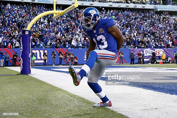 Odell Beckham Jr #13 of the New York Giants celebrates after scoring a 35 yard touchdown in the third quarter against the Washington Redskins during...