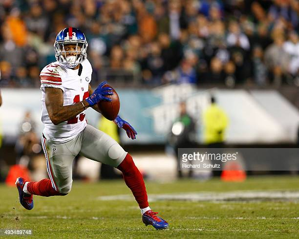 Odell Beckham Jr #13 of the New York Giants runs after making a catch against the Philadelphia Eagles during the first quarter of a game at Lincoln...