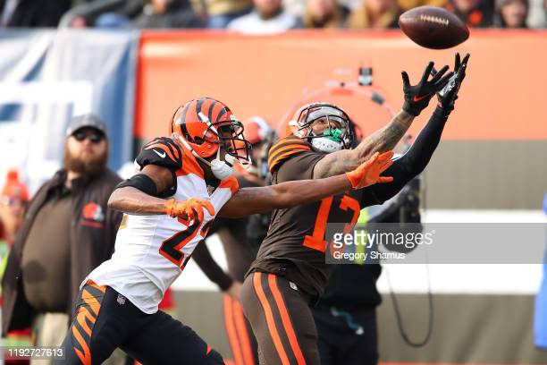 Odell Beckham of the Cleveland Browns can't pull in a first half pass prior to going out of bounds next to William Jackson of the Cincinnati Bengals...