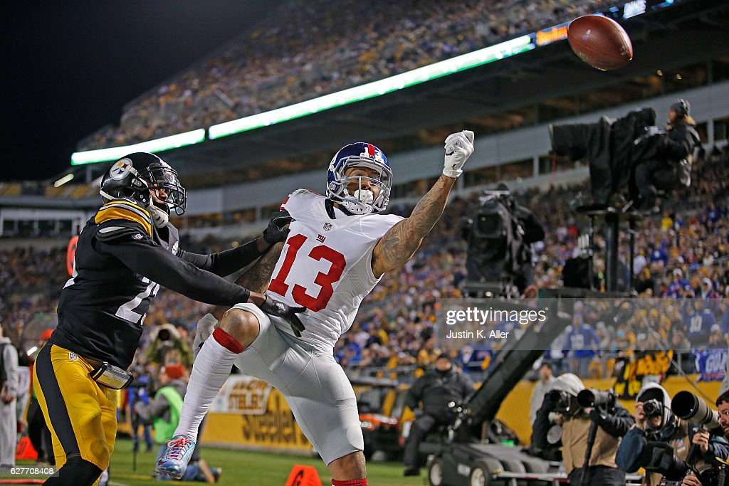 Odell Beckham #13 of the New York Giants cannot come up with a pass thrown by Eli Manning #10 in the second half during the game against the Pittsburgh Steelers at Heinz Field on December 4, 2016 in Pittsburgh, Pennsylvania.