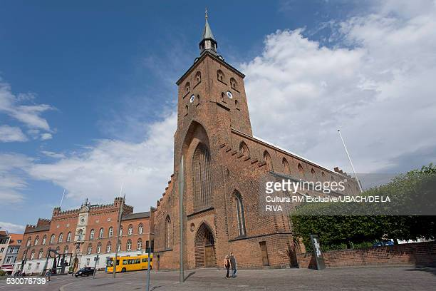 odense cathedral, odense, denmark - funen stock pictures, royalty-free photos & images