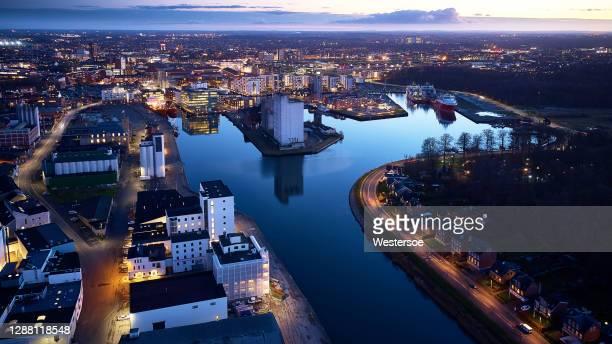 オーデンセ市上空から - オーデンセ ストックフォトと画像