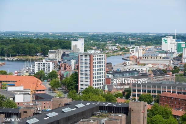 ビジネス エリアとオーデンセ港 - オーデンセ ストックフォトと画像
