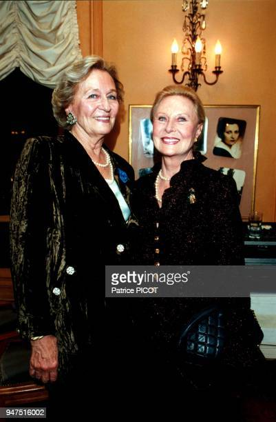 Odette Ventura ordre du merite with Michele Morgan 1995