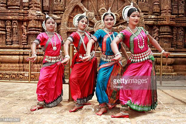 odissi dancers striking a pose - traditional dancing stock pictures, royalty-free photos & images