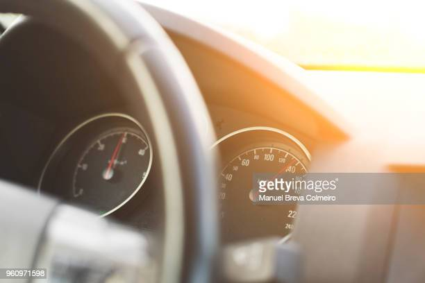 odometer - green car crash stock pictures, royalty-free photos & images