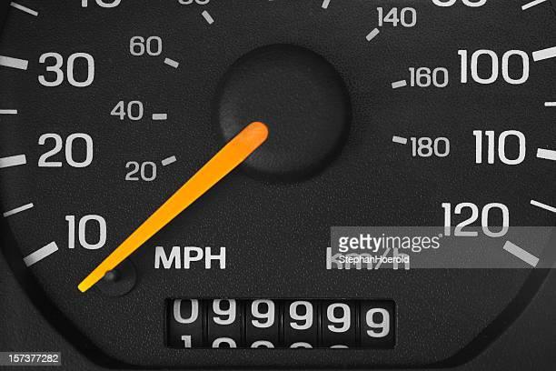 Cuentakilómetros con 99.999 kilómetros/8 millas
