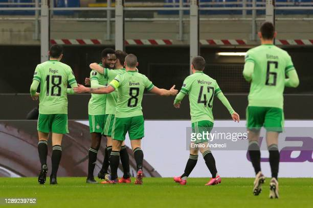 Odsonne Edouard of Celtic celebrates with Ryan Christie, Tomas Rogic, Scott Brown, Callum McGregor and Nir Bitton after scoring their team's second...