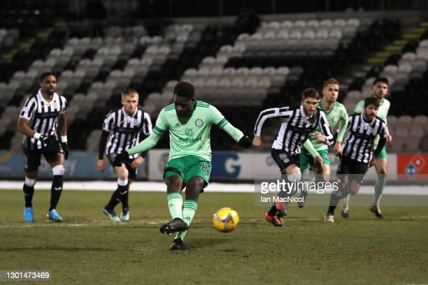 Odsonne Edouard of Celtic scores their side's second goal from the penalty spot during the Ladbrokes Scottish Premiership match between St. Mirren...