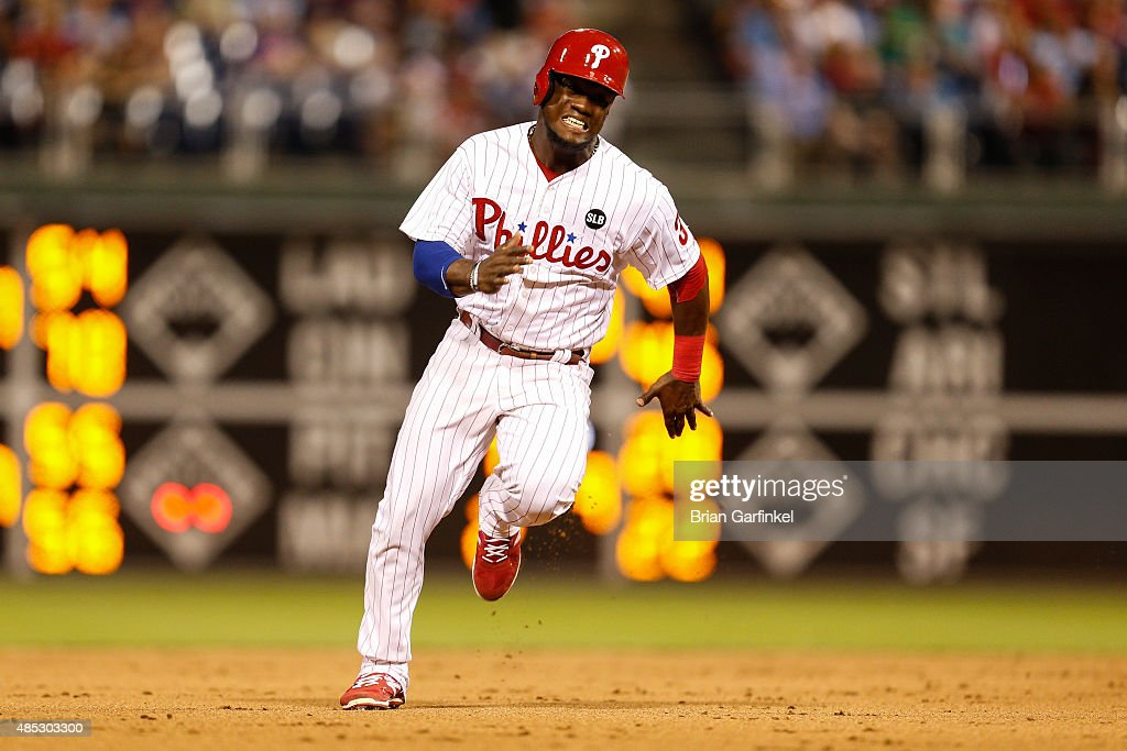 Odubel Herrera #37 of the Philadelphia Phillies advances to third base in the eighth inning of the game against the New York Mets at Citizens Bank Park on August 26, 2015 in Philadelphia, Pennsylvania. The Mets won 9-4.